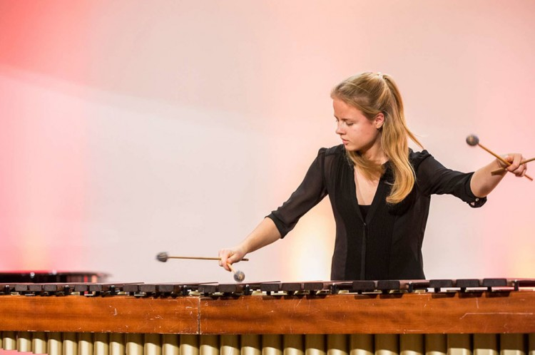 Charlotte Hahn live