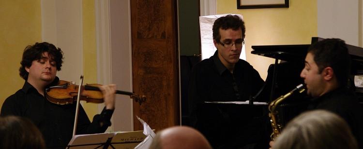 Fratres Trio 3 zugeschnitten